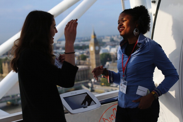 Advice「London Eye Turned Into Classrooms For International Day Of The Girl」:写真・画像(7)[壁紙.com]