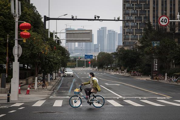 Wuhan「Daily Life In Wuhan During Lockdown」:写真・画像(17)[壁紙.com]