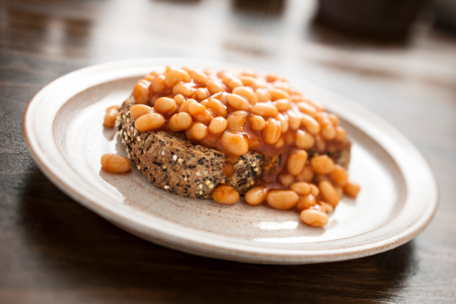 Inexpensive「Baked beans on mixed seed brown toast」:スマホ壁紙(8)