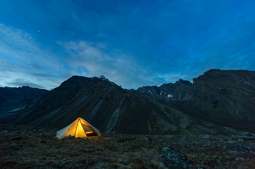 Tent「Tent lit at night in the Brooks Range」:スマホ壁紙(8)