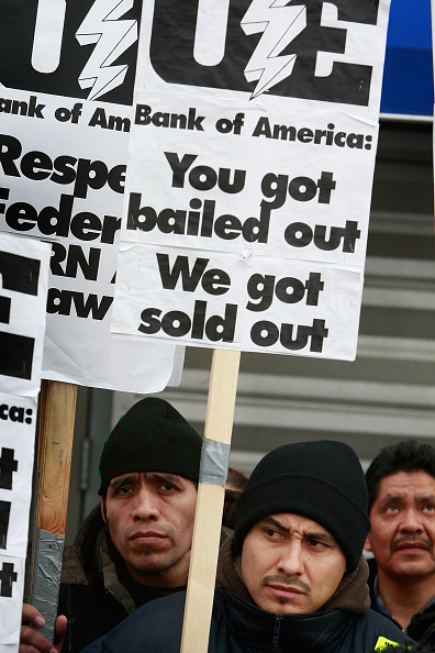 Scott Olson「Laid-Off Factory Workers Occupy Chicago Factory」:写真・画像(14)[壁紙.com]