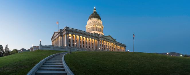 Utah「Capitol Building illuminated at dusk Salt Lake City Utah」:スマホ壁紙(13)