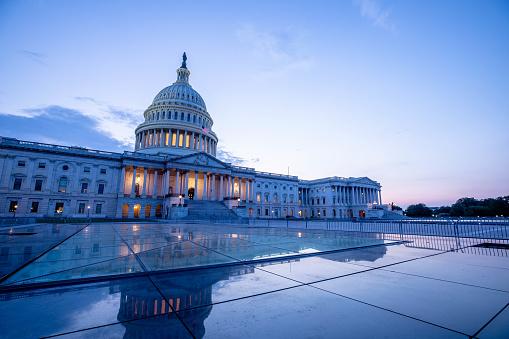 Politics「US Capitol Building in Washington DC」:スマホ壁紙(3)