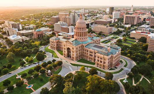 Politics「Capitol building, aerial skyline, sunset, Austin, TX,  Texas State Capital」:スマホ壁紙(4)