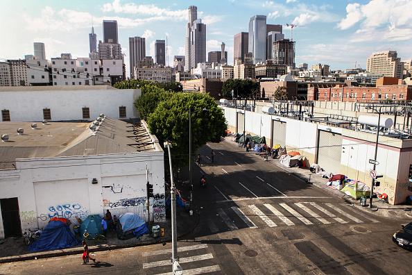 Homelessness「Los Angeles Seeks To Increase Restrictions On Homeless Sleeping On Sidewalks」:写真・画像(12)[壁紙.com]