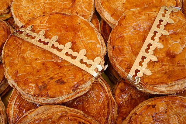 French Galette des Rois Pastry Eaten on Epiphany:スマホ壁紙(壁紙.com)