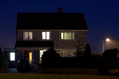 Parking Lot「Exterior of house, dusk」:スマホ壁紙(3)