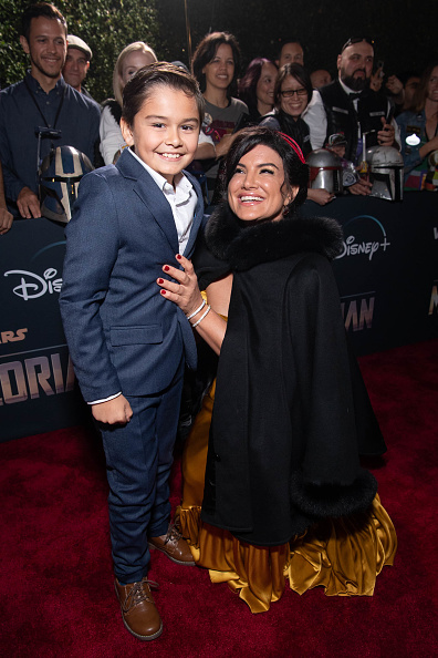 "The Mandalorian - TV Show「Premiere Of Disney+'s ""The Mandalorian"" - Red Carpet」:写真・画像(17)[壁紙.com]"