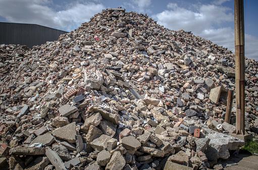 Demolishing「Pile of demolition rubble」:スマホ壁紙(17)
