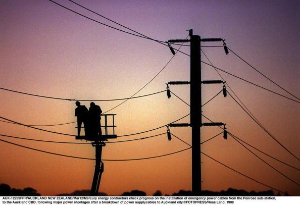 Cable「Mercury energy contractors check progress on the i」:写真・画像(9)[壁紙.com]