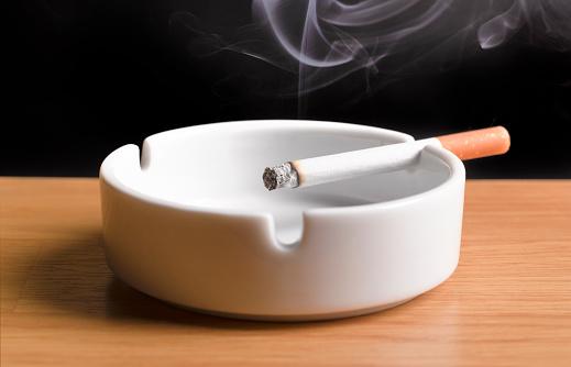 Smoke - Physical Structure「lit cigarette, burning in ashtray」:スマホ壁紙(6)