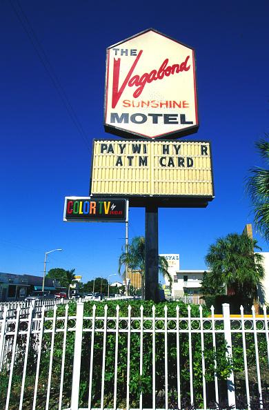 Motel「New Architecture Threatening Miami's Historic Past」:写真・画像(1)[壁紙.com]