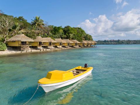 Bungalow「Yellow Boat in Front of Iririki, Vanuatu」:スマホ壁紙(15)