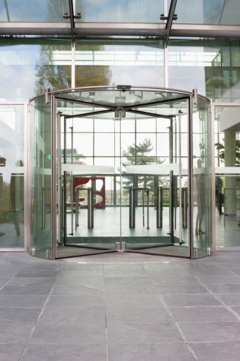 Front Door「Revolving door of an office building」:スマホ壁紙(17)