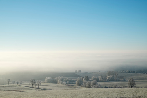 Cold Temperature「Germany, Baden-Wuerttemberg, Tuttlingen district, view to Lake Constance, fog」:スマホ壁紙(6)