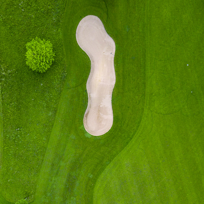 Sand Trap「Germany, Baden-Wuerttemberg, Aerial view of golf course with bunker, green and hole」:スマホ壁紙(11)
