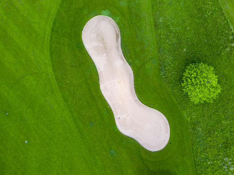 Hole「Germany, Baden-Wuerttemberg, Aerial view of golf course with bunker, green and hole」:スマホ壁紙(19)