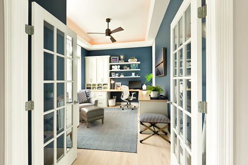 Ceiling「Modern Contemporary Interior Design of Home Office Room」:スマホ壁紙(19)