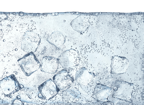 Liquid「Ice Cubes Floating in Water」:スマホ壁紙(8)