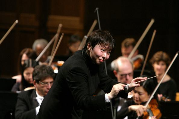 Musical Conductor「Xian Zhang」:写真・画像(5)[壁紙.com]