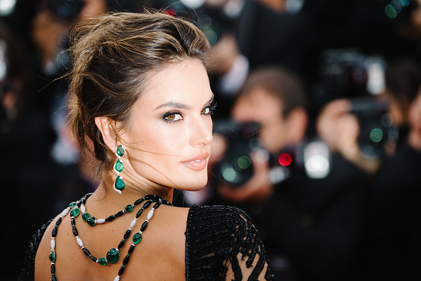 "Jewelry「""BlacKkKlansman"" Red Carpet Arrivals - The 71st Annual Cannes Film Festival」:写真・画像(3)[壁紙.com]"