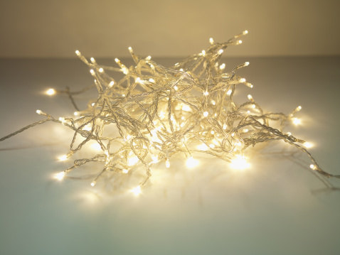 String Light「Pile of illuminated string lights」:スマホ壁紙(18)