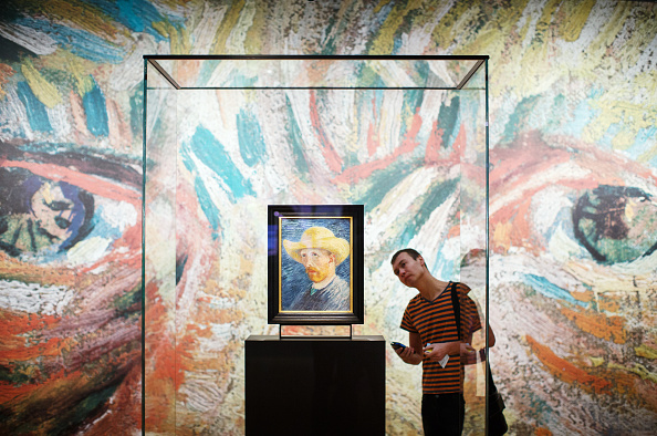 Visit「The Vincent Van Gogh Museum Launch Their New Presentation Of The Artist's Works」:写真・画像(19)[壁紙.com]