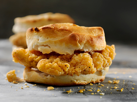 Biscuit「Fried Chicken Sandwich  on a Biscuit」:スマホ壁紙(11)