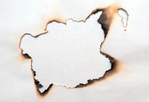 Burnt「burnt hole」:スマホ壁紙(4)