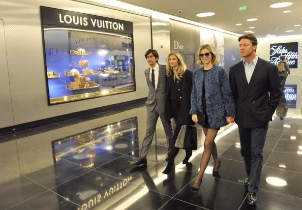 Almaty「Luxury Esentai Mall Opens In Almaty, Kazakhstan」:写真・画像(7)[壁紙.com]