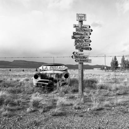 Hot Rod Car「Old abandoned American car in the desert along Route 66」:スマホ壁紙(3)