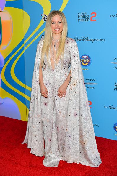 アヴリル・ラヴィーン「2019 Radio Disney Music Awards - Arrivals」:写真・画像(7)[壁紙.com]