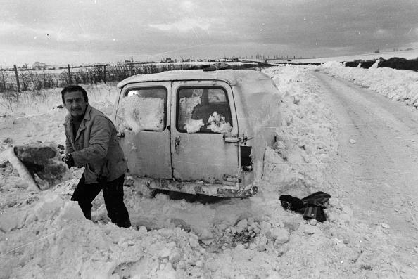 Snowdrift「Hard Digging」:写真・画像(4)[壁紙.com]