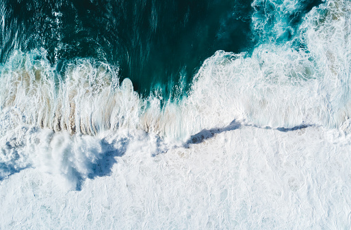 Extreme Weather「Aerial vision, drone capture of the North Shore Oahu, Hawaii.」:スマホ壁紙(11)
