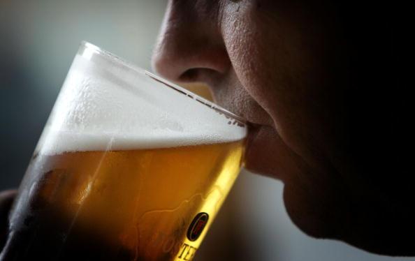 Alcohol - Drink「GBR: Binge Drinking Causes Health and Anti Social Concerns」:写真・画像(6)[壁紙.com]