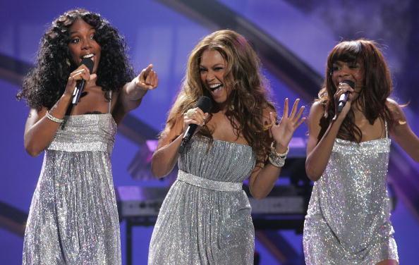 Kelly public「2005 World Music Awards - Show」:写真・画像(10)[壁紙.com]