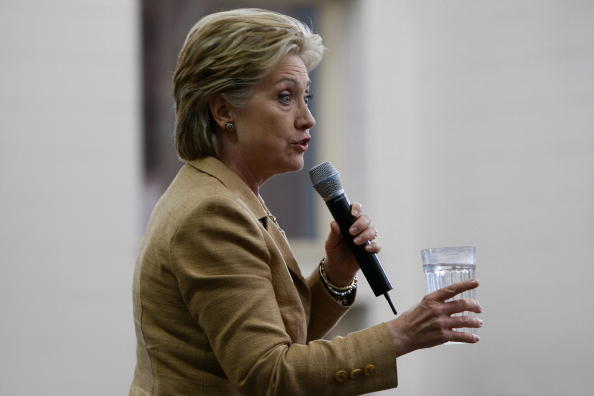 Drinking Glass「Hillary Clinton Campaigns Ahead Of Indiana And North Carolina Primaries」:写真・画像(0)[壁紙.com]