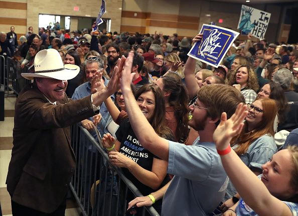 Justin Sullivan「Bernie Sanders Campaigns With MT Democratic Congressional Candidate Rob Quist」:写真・画像(18)[壁紙.com]