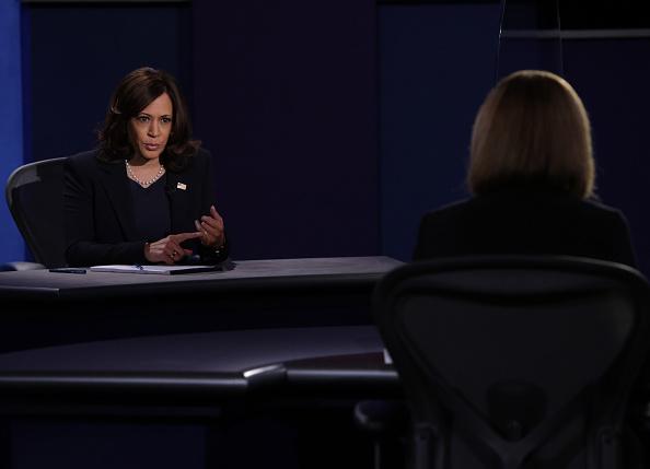 Participant「Mike Pence And Kamala Harris Take Part In Vice Presidential Debate」:写真・画像(12)[壁紙.com]