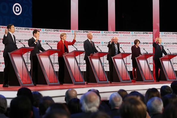 Justin Sullivan「Democratic Presidential Candidates Participate In Last Debate Of 2019」:写真・画像(10)[壁紙.com]