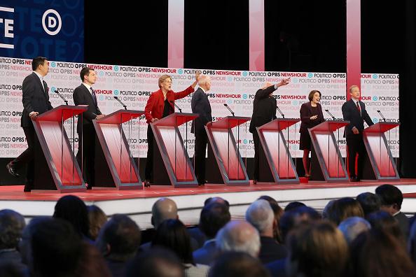 Justin Sullivan「Democratic Presidential Candidates Participate In Last Debate Of 2019」:写真・画像(19)[壁紙.com]