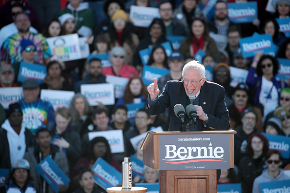 Scott Olson「Presidential Candidate Bernie Sanders Holds Campaign Rally In Chicago」:写真・画像(5)[壁紙.com]