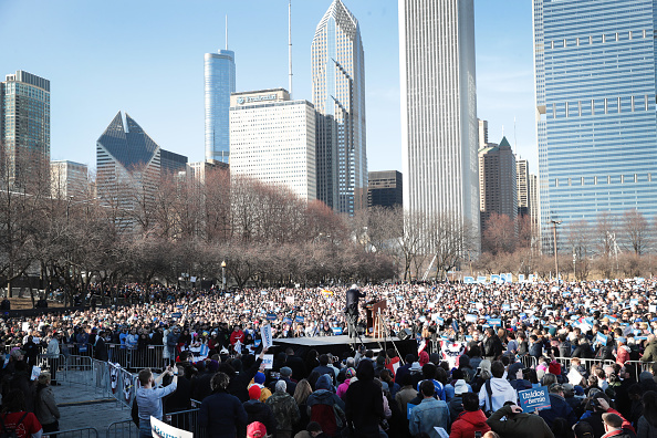 Scott Olson「Presidential Candidate Bernie Sanders Holds Campaign Rally In Chicago」:写真・画像(3)[壁紙.com]