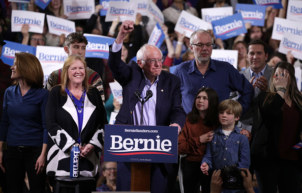 Super Tuesday「Presidential Candidate Bernie Sanders Holds Super Tuesday Night Rally In Vermont」:写真・画像(8)[壁紙.com]