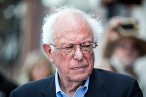 Inexpensive「Democratic Presidential Candidate Sen. Bernie Sanders Joins Group Of People With Diabetes On Trip To Canada For Affordable Insulin」:写真・画像(15)[壁紙.com]