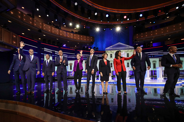 Democracy「Democratic Presidential Candidates Participate In First Debate Of 2020 Election Over Two Nights」:写真・画像(2)[壁紙.com]