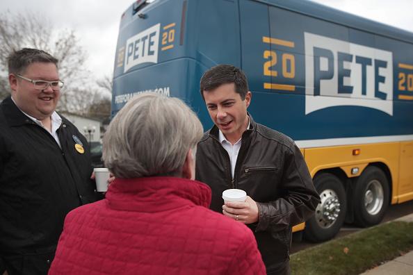 Iowa「Democratic Presidential Candidate Pete Buttigieg Campaigns In Iowa」:写真・画像(19)[壁紙.com]