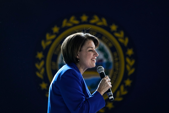 Presidential Candidate「Presidential Candidate Amy Klobuchar Campaigns In New Hampshire In Final Days Before Primary」:写真・画像(19)[壁紙.com]