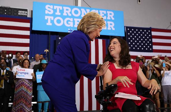 Justin Sullivan「Hillary Clinton Campaigns In Orlando, Florida」:写真・画像(9)[壁紙.com]