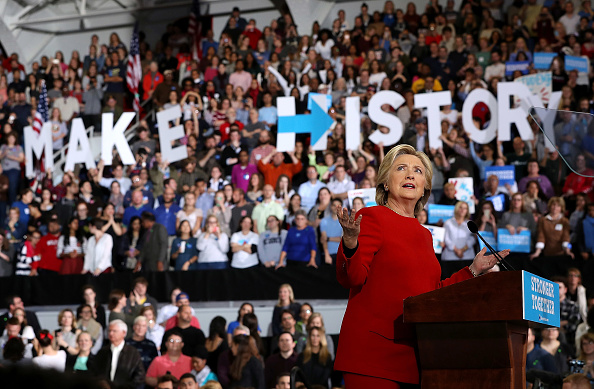 Secretary Of State「Hillary Clinton Campaigns Across US One Day Ahead Of Presidential Election」:写真・画像(15)[壁紙.com]